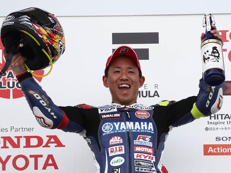 ポールポジションからJSB1000の開幕戦を制した中須賀克行選手