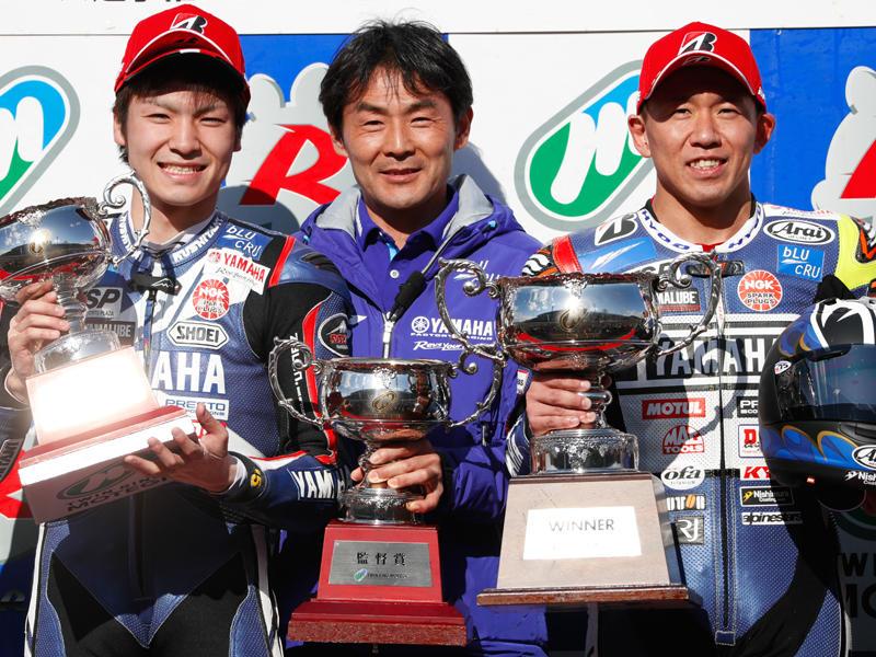 レース2:YAMAHA FACTORY RACING TEAMの中須賀克行&野左根航汰が1-2フィニッシュ