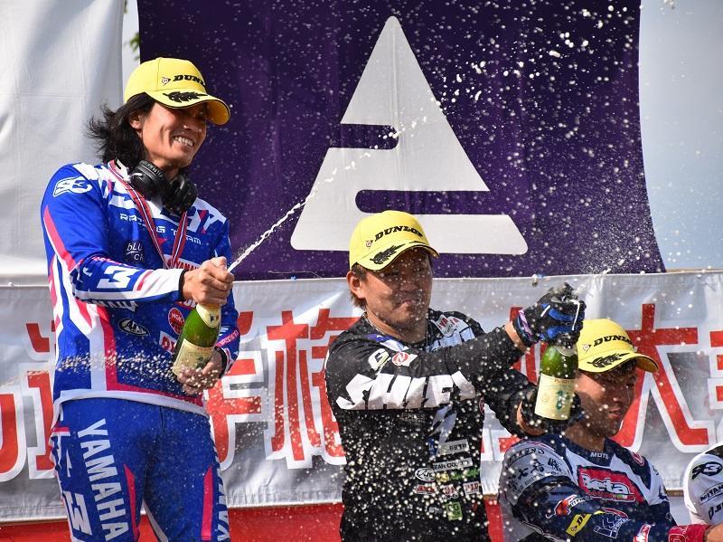 #3 黒山健一が今季初優勝、#2 野崎史高は3位表彰台獲得