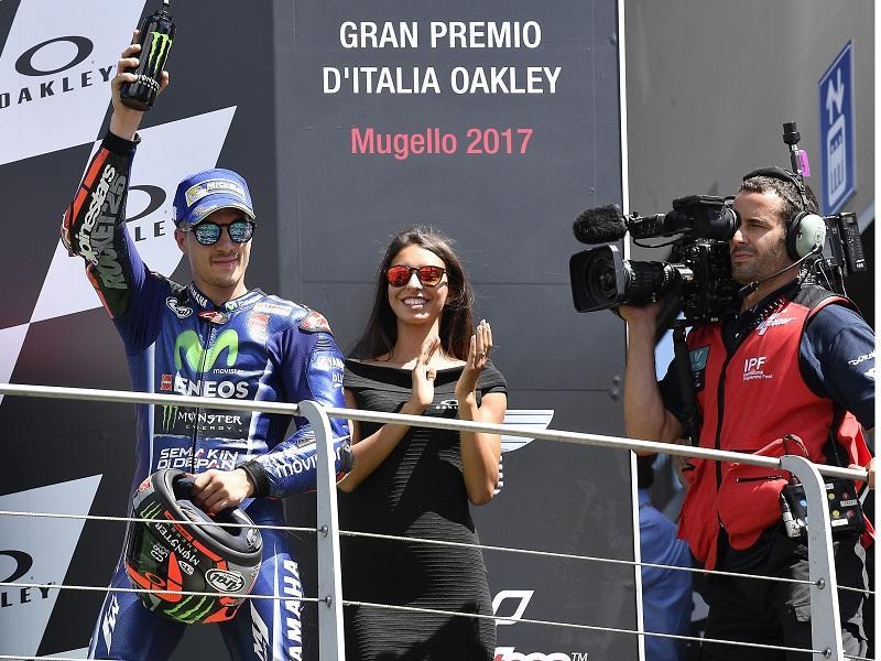 2位表彰台を獲得した#25 M・ビニャーレス&YZR-M1
