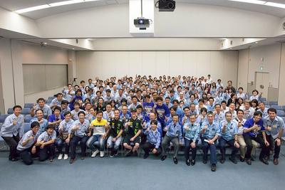 日本グランプリ激励会、約300人の社員を前に、8耐優勝報告&日本GPでの活躍を約束