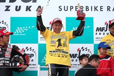 中須賀、レース1で全日本最高峰4連覇を達成絶対王者の貫禄を見せつける!