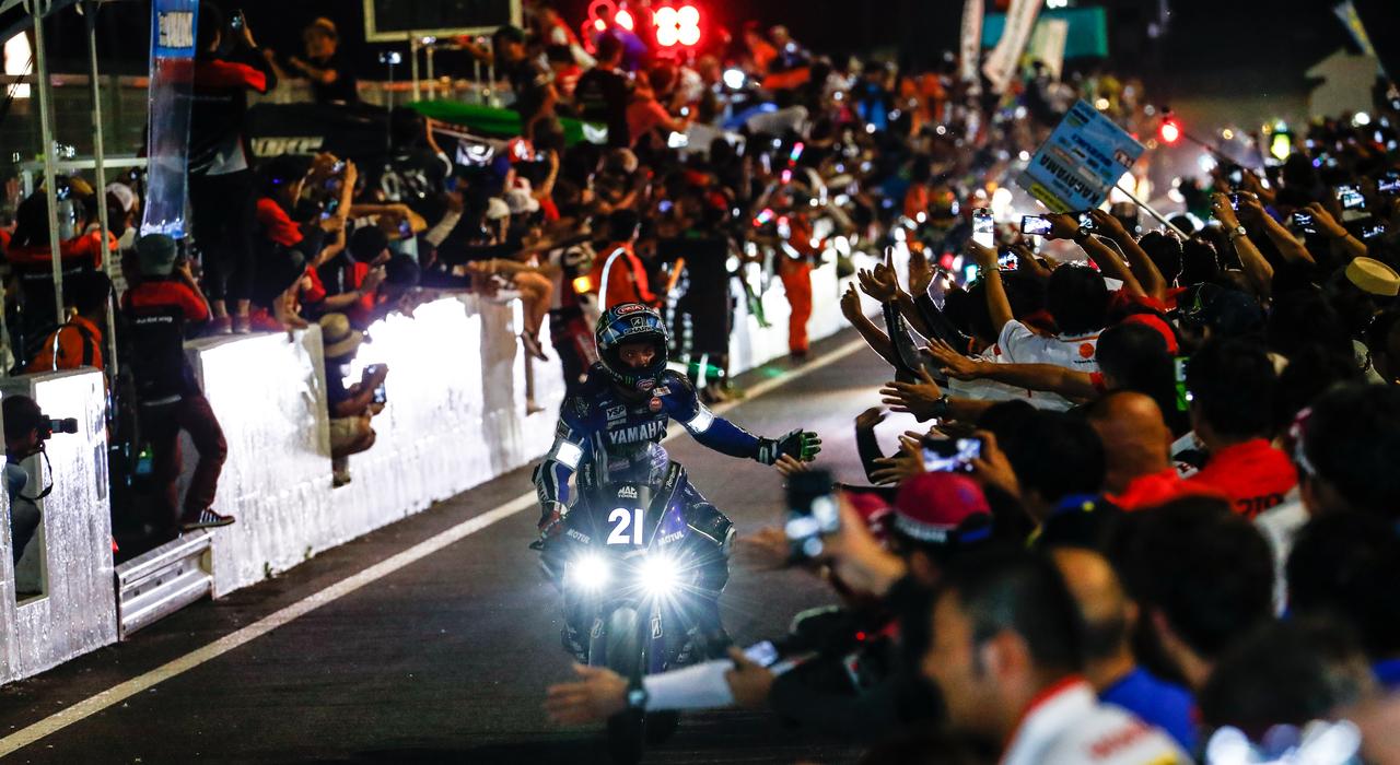 R1 History: Episode 8 2017 - 耐久で輝くR1、鈴鹿8耐3連覇&EWC4冠