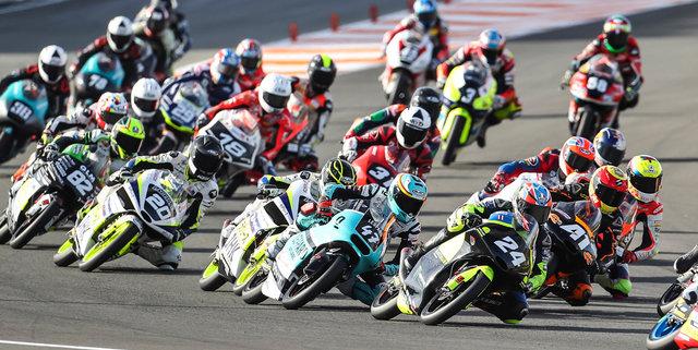 Apiwath Wongthananon Battles Through Pain in Moto3 Junior World Championship Finale