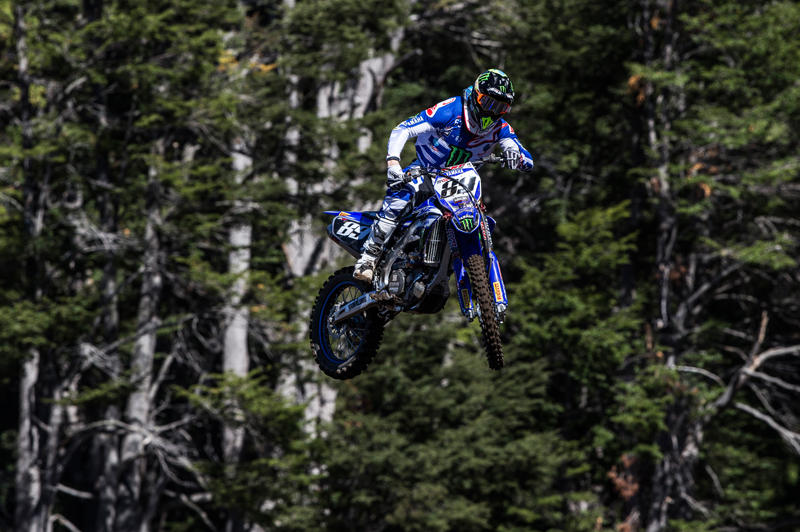 Monster Energy Yamaha Factory Racing Team の J・ファン・フォルベークは4位/5位で総合4位となった