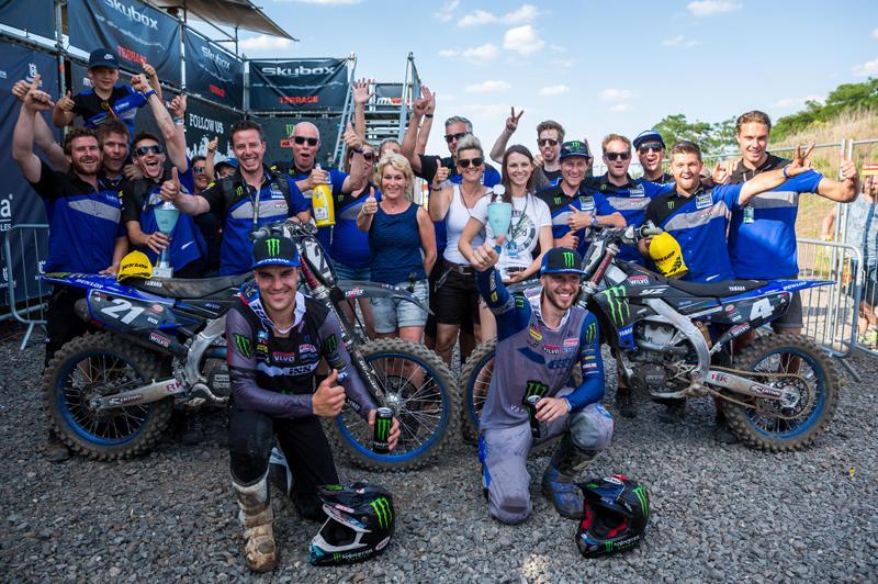 Monster Energy Wilvo Yamaha MXGPの#4 アーヌー・トヌスと#21 ゴーティエ・ポーリンが共に表彰台