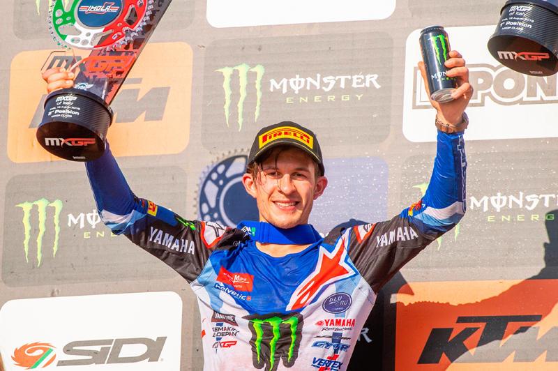 Monster Energy Yamaha Factory MXGPのジェレミー・シーワーが今シーズンのベストリザルトである2位に入り、表彰台に立った