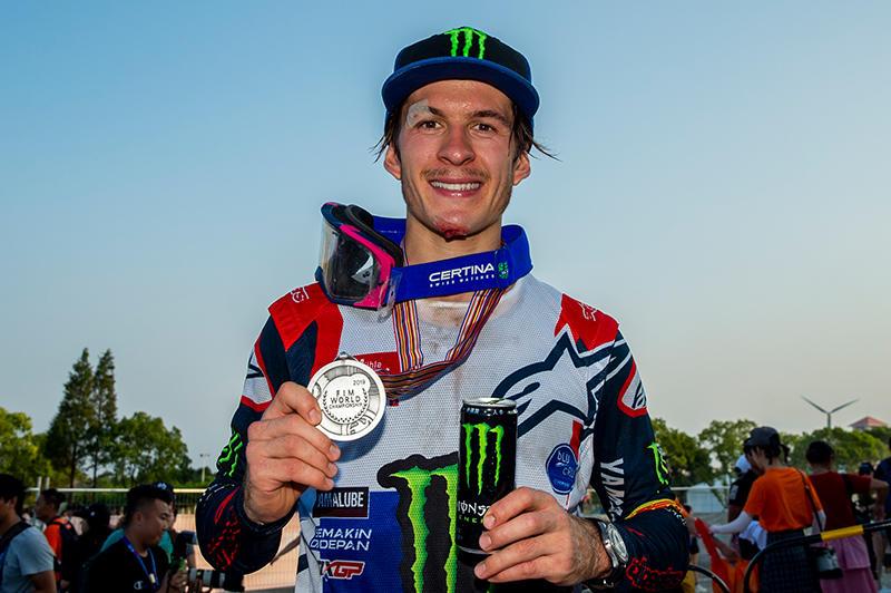 Monster Energy Yamaha Factory MXGPのジェレミー・シーワーが、最終戦で総合3位に入り、2019シーズンをランキング2位で終えた