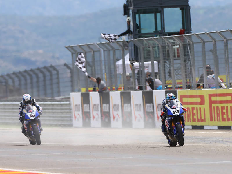 Pata Yamaha Official WorldSBKの#50S・ギュントーリと#22 A・ローズとYZF-R1